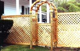 "2"" Diamond Lattice Fence Panels with Arbor Gate"