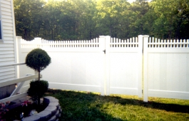 Orlando Stepped Fence & Gate