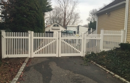 Louisville Straight Fence & Gates